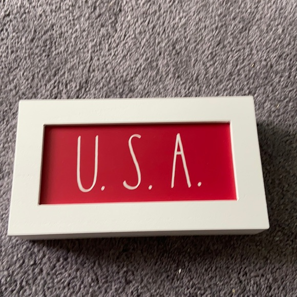 Rae Dunn Red USA Wooden Sign NWT